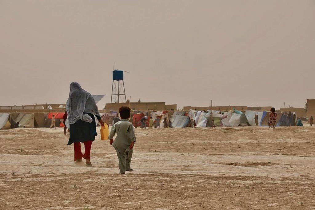 Unos 400.000 afganos se han visto obligados a abandonar sus hogares desde principios de año. © ACNUR/Edris Lutfi